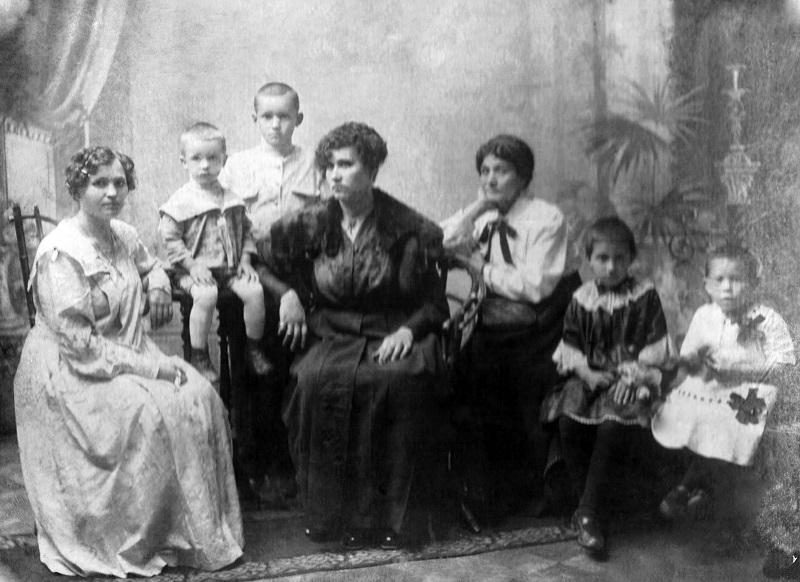 Музейных дел мастер  из Петропавловска