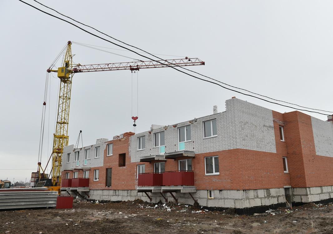 Остекление зданий Петропавловска опасно для прохожих
