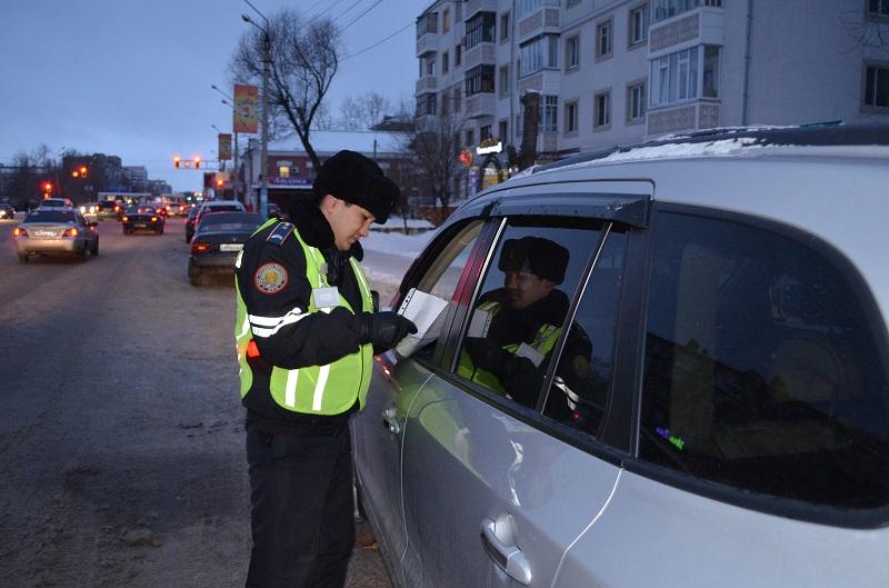 В праздники на дорогах северного Казахстана выявлено свыше 500 нарушений