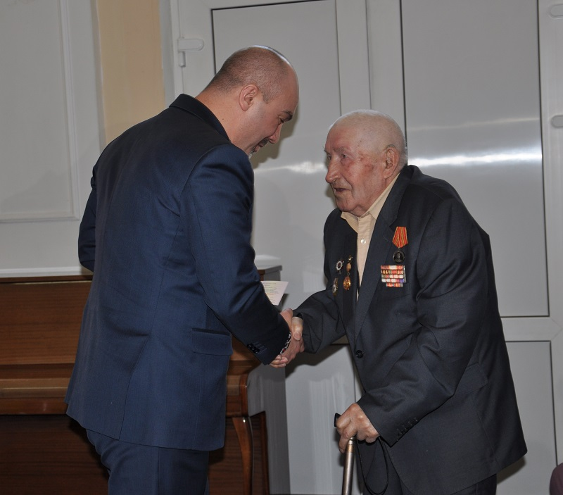Глава Посольства Украины наградил североказахстанцев медалями