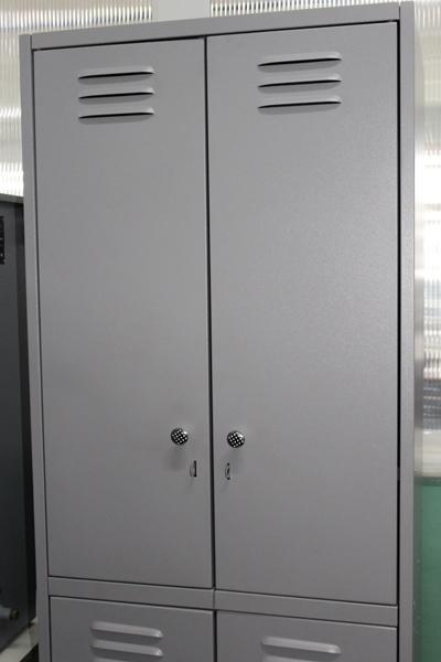 На заводе Петропавловска изготовили образец шкафчика для школьников