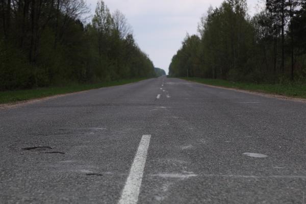Жительница Мамлютского района пожаловалась акиму области на некачественное строительство дороги