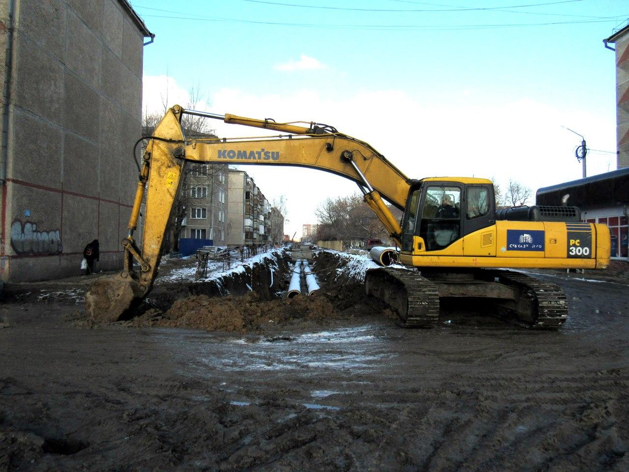 В Петропавловске, несмотря на близкую зиму, всё ещё не закончен ремонт тепломагистрали (видео)