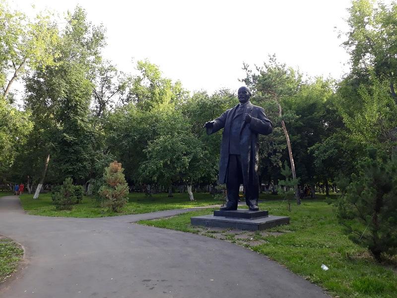Найти в Петропавловске достойное место памятникам Ленину и Куйбышеву просят коммунисты