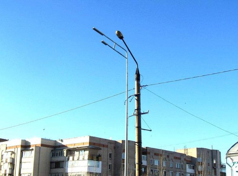 На улицах Петропавловска появились новые опоры освещения