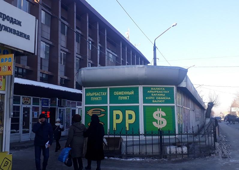 Бизнесмены Петропавловска выступают против действий властей по сносу павильонов (видео)