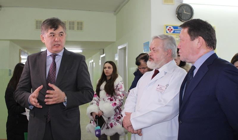 Уволить замов посоветовал главврачам Северного Казахстана министр здравоохранения