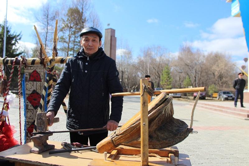 Ремесленник Петропавловска сохранил старинный горн