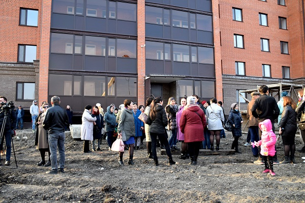В Петропавловске разгорелся скандал вокруг дома, построенного  по госпрограмме