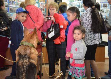 В Петропавловске ночь в полицейском музее привлекла сотни посетителей