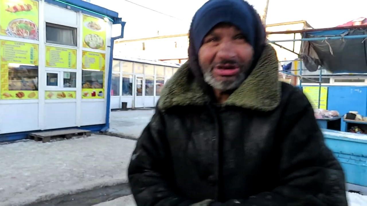 Привокзальная площадь Петропавловска: мы встретим вас конями и бомжом!