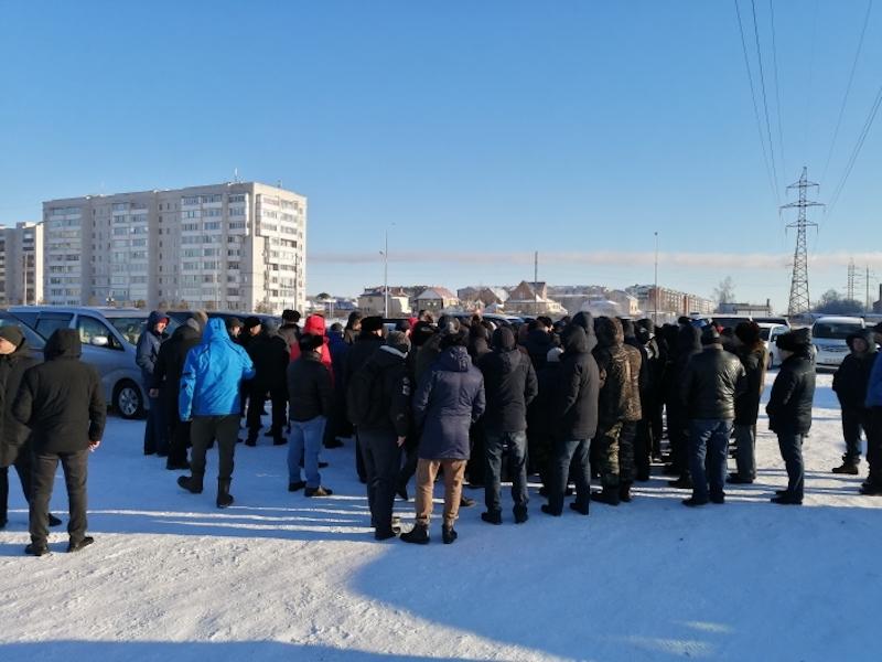 «Забирать пока не будут»: полицейские Петропавловска успокоили хозяев авто с иностранными номерами