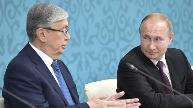 Токаев попросил Путина помочь в возвращении казахстанцев из России