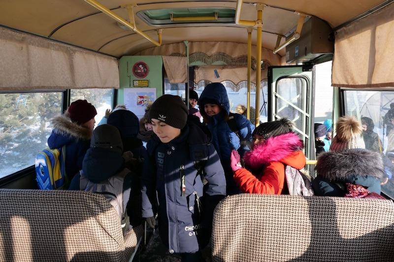 На севере Казахстана полицейские проверили безопасность школьных автобусов