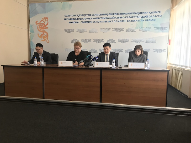 В Петропавловске блогеры и врачи предложили решение проблемы с масками