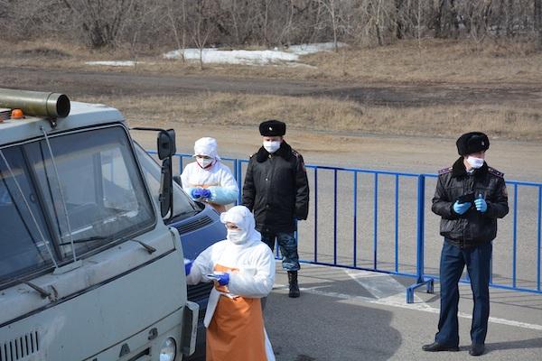 Более 500 североказахстанских медработников получили «коронавирусную» надбавку к зарплате