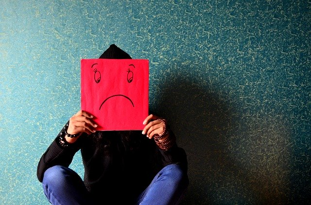 Как избежать депрессии во время карантина — психологи