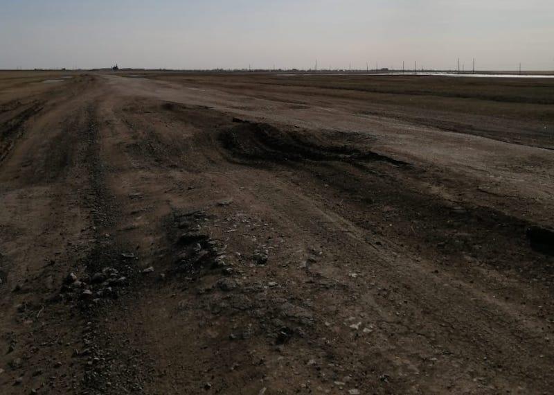 На севере Казахстана сельчане мечтают о ремонте дороги до райцентра