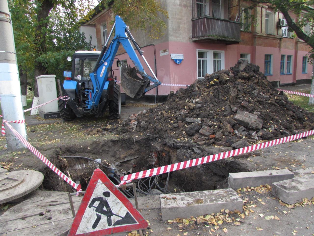 Кумар Аксакалов о земляных работах на улицах: «Бестолковщина происходит!»