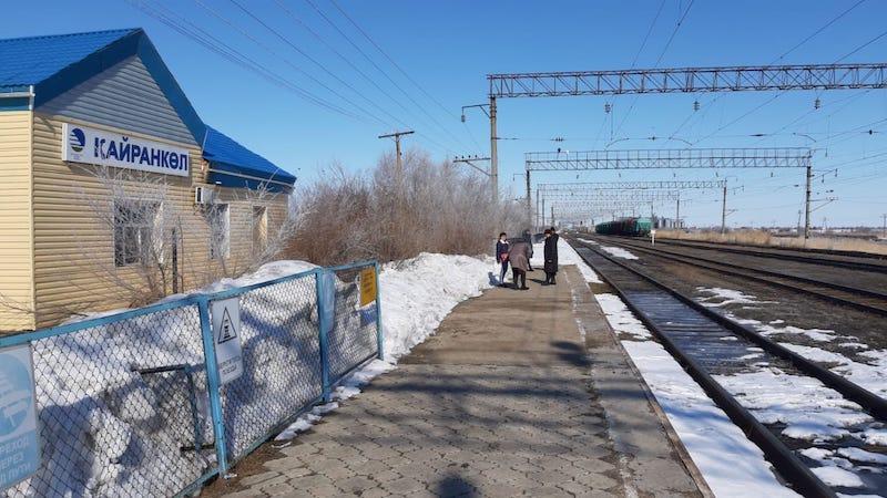 На севере Казахстана пустует отремонтированный вокзал
