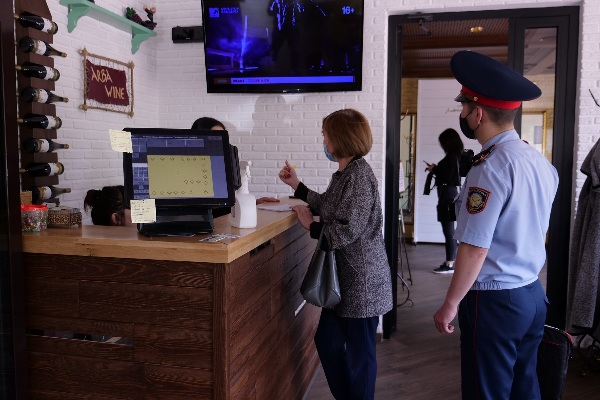 В Петропавловске проводят  внезапные рейды по магазинам и кафе