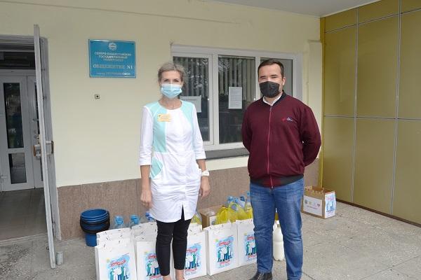 Североказахстанцы передали медикам воду и кумыс
