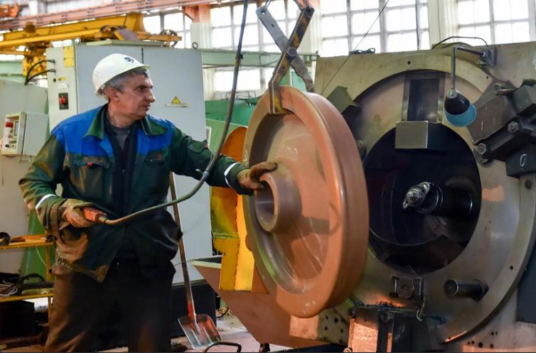 Завод Петропавловска заработал после простоя