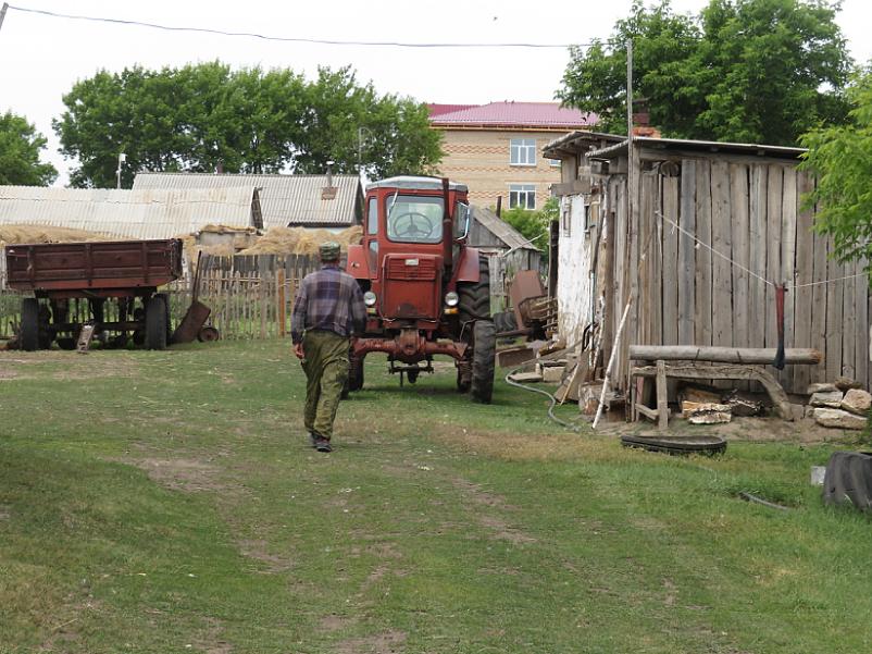 Три варианта сельской жизни на севере Казахстана