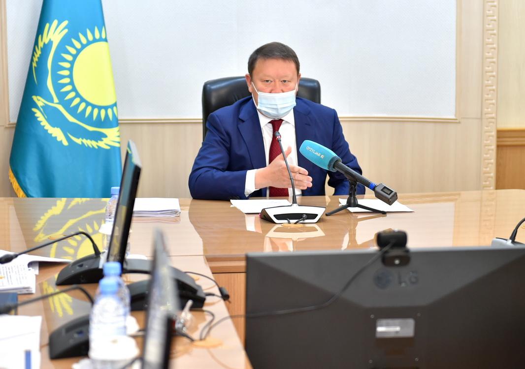 Кумар Аксакалов пообещал владельцам павших птиц выплатить компенсацию