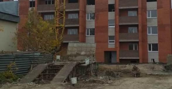 В Петропавловске многодетной семье предложили «малогабаритку» с треугольными комнатами