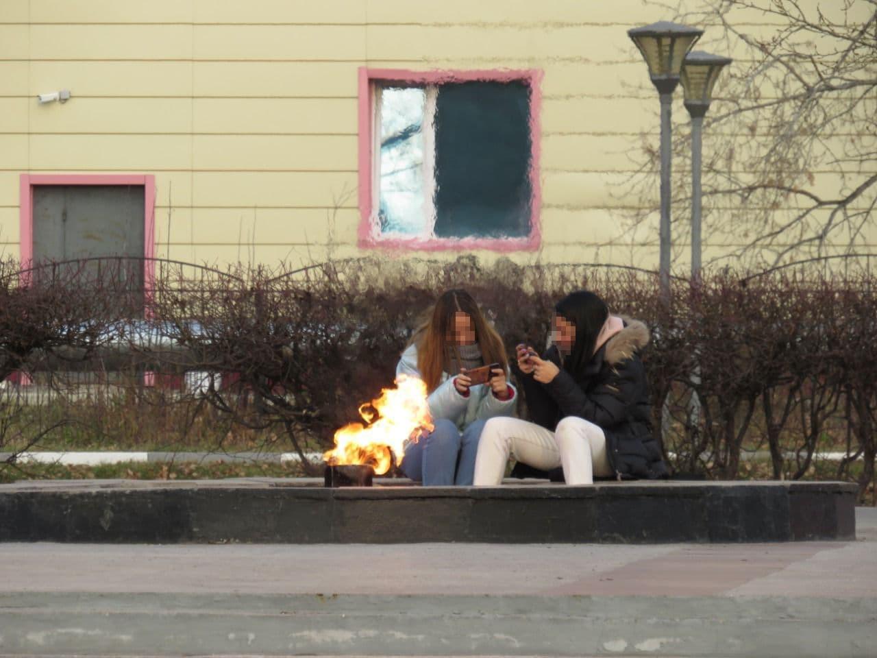 Вечный огонь под ногами подростков Петропавловска