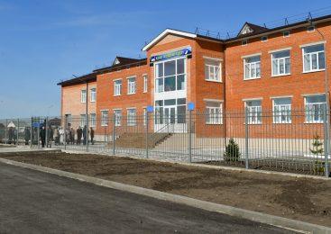 На севере Казахстана новая школа обезопасила учеников