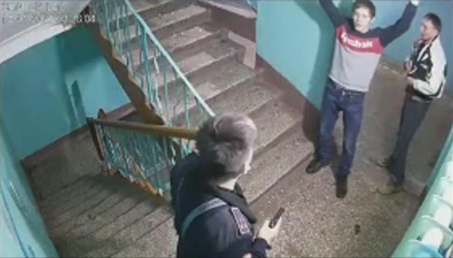 «Настоящий боевик»: видео драки в общежитии «Восход» в Петропавловске шокирует зрителей