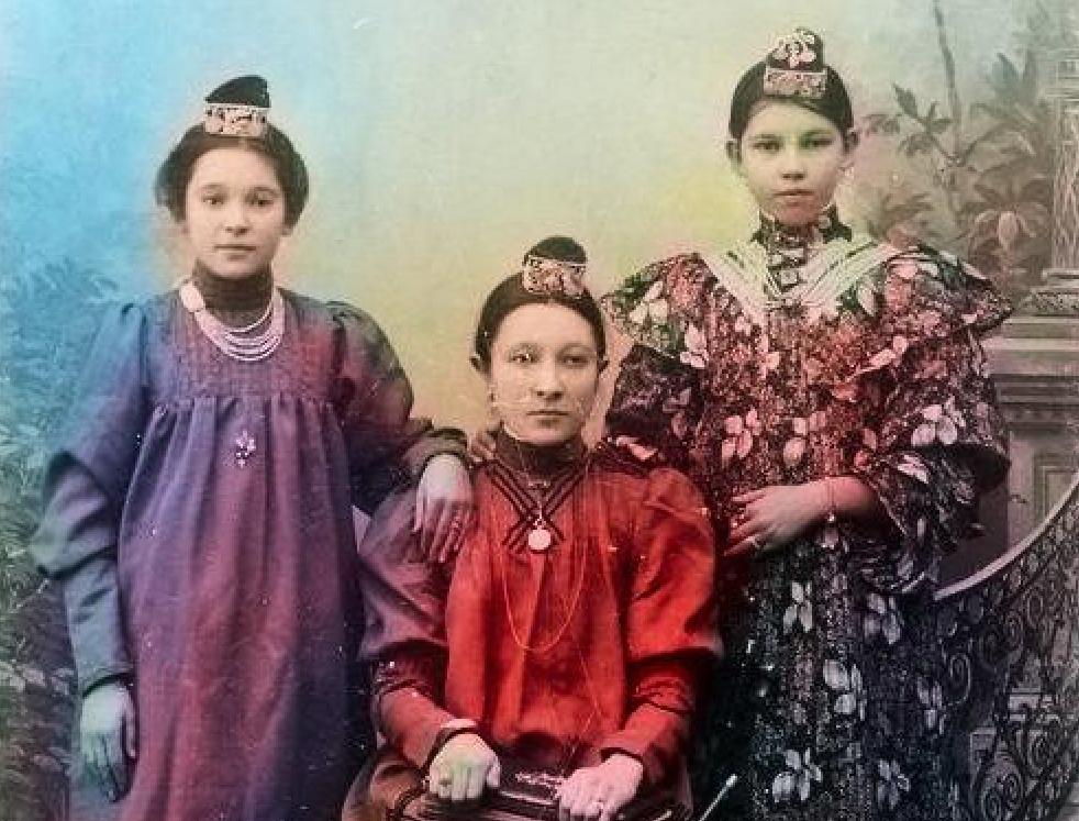 Как нейросети оживили столетние фотографии жителей Петропавловска