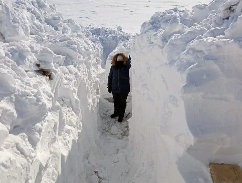 Как метеорологи измеряют сугробы на севере Казахстана