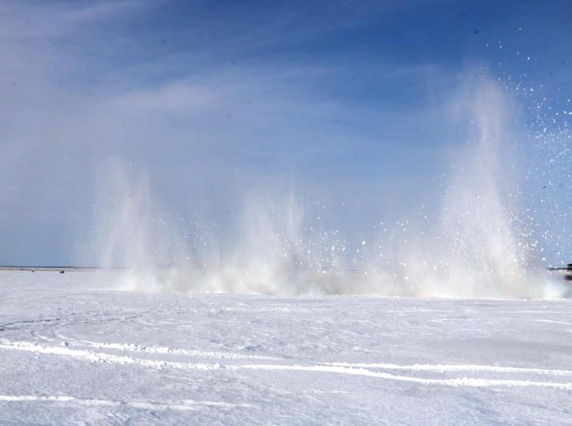 Взрывные работы проводят на водоёмах Северо-Казахстанской области