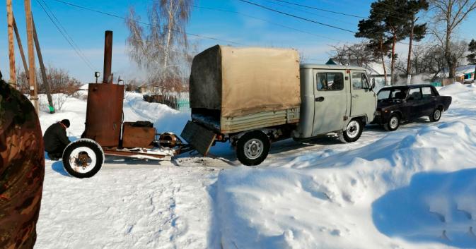 На севере Казахстана из-за морозов перемерзают колонки