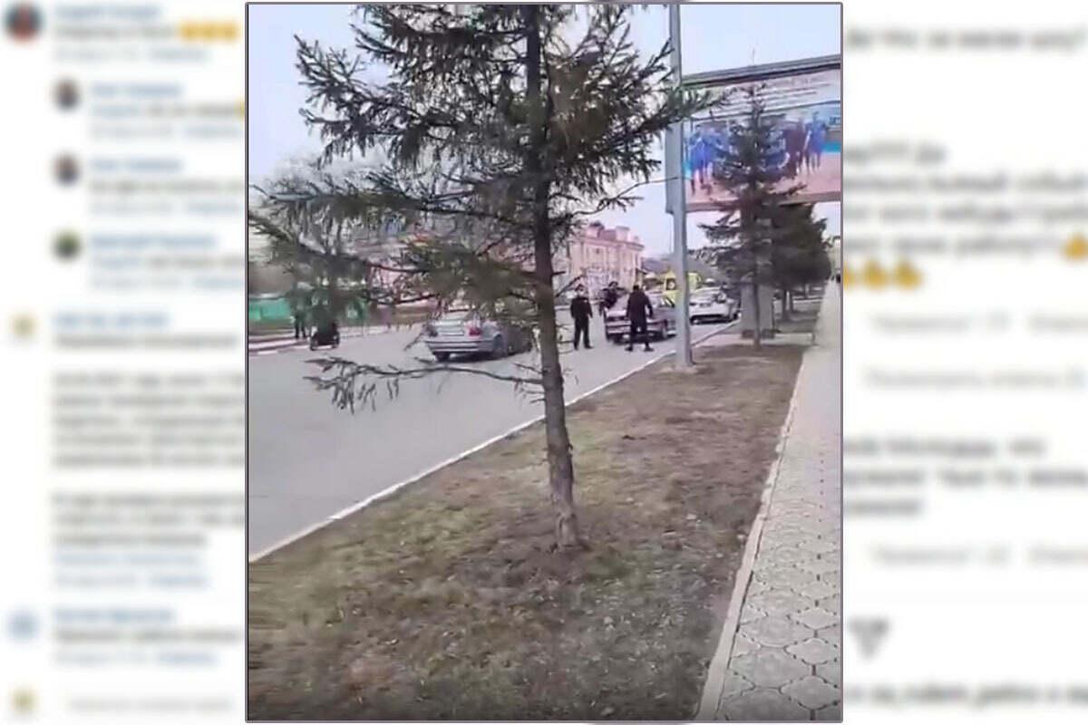В центре Петропавловска полицейские скрутили двоих пьяных мужчин