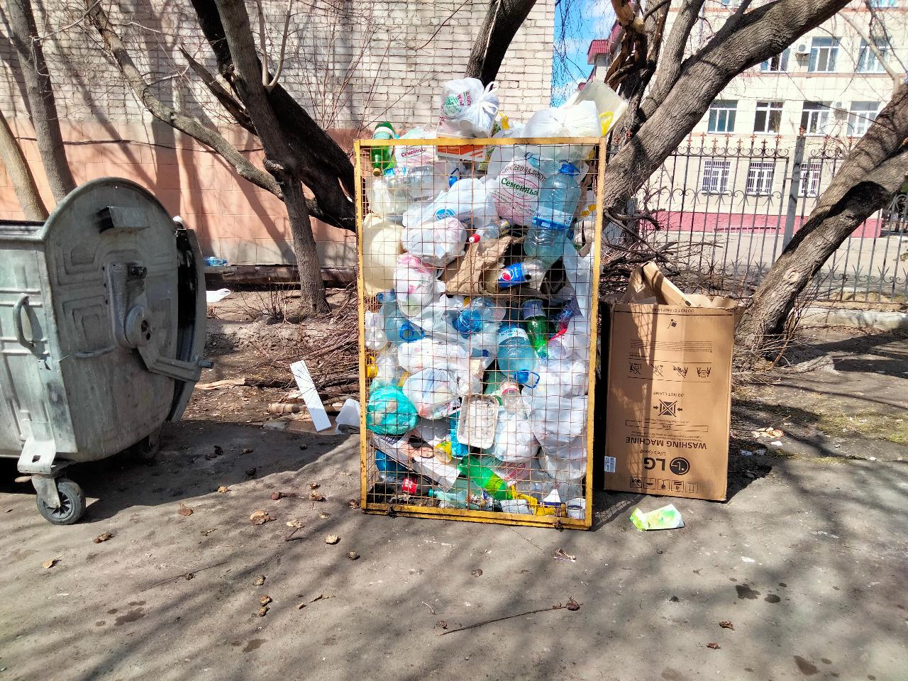 Житель Петропавловска украл мусорный контейнер и пытался продать