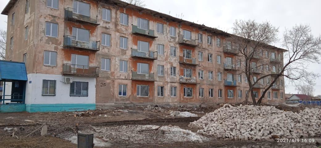 В Сергеевке восстанавливают заброшенные дома и строят спорткомплекс