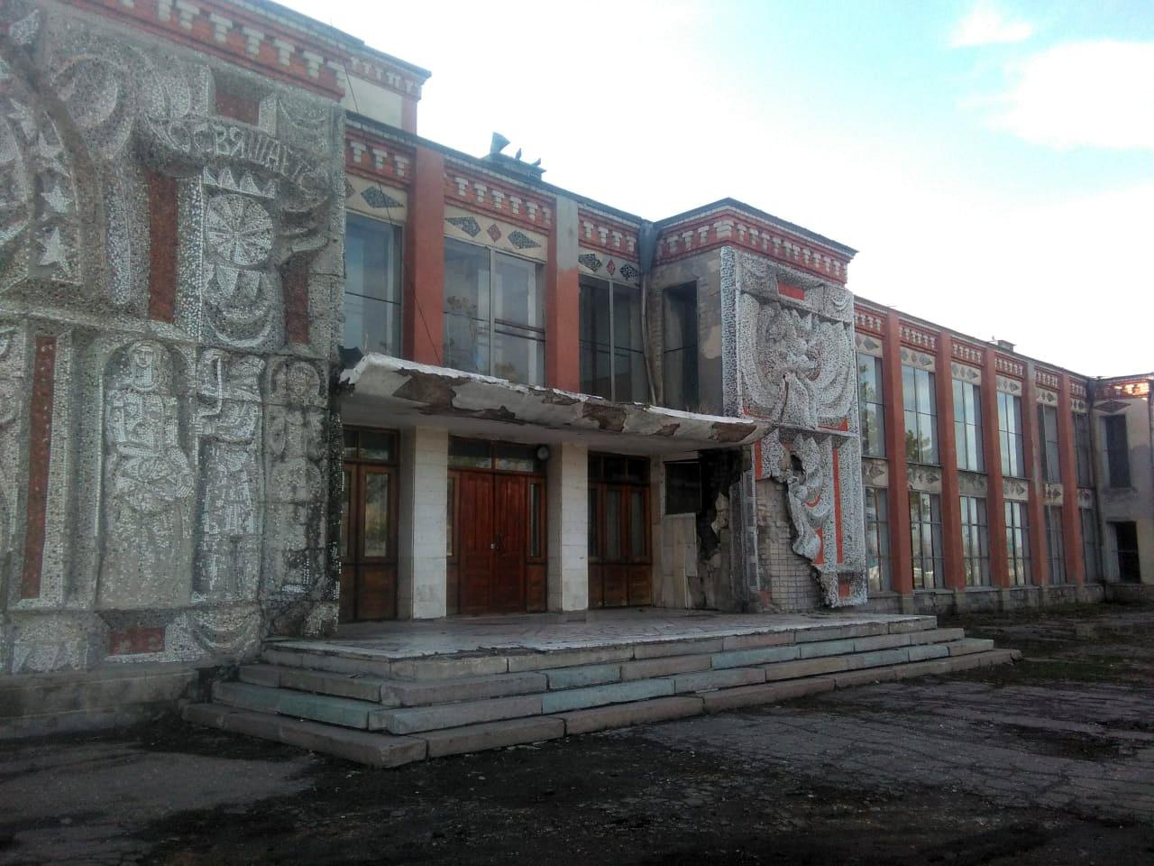 На севере Казахстана отремонтируют сельский дом культуры: мозаику закроют алюкобондом