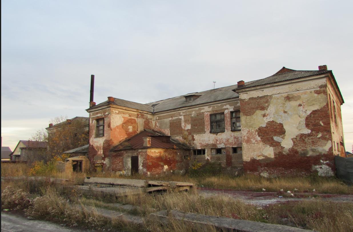 Для совершения кражи два жителя Петропавловска сломали стену