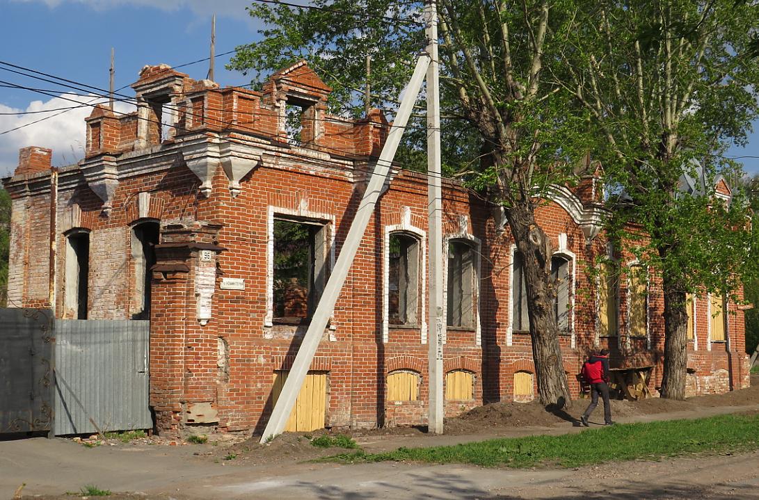 Дом Дмитриева в Петропавловске продолжает разрушаться