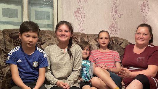 Семья переселенцев на севере Казахстана выживает на 46000 тенге