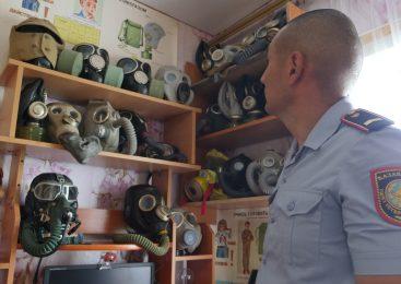 Полицейский в Петропавловске собрал коллекцию противогазов