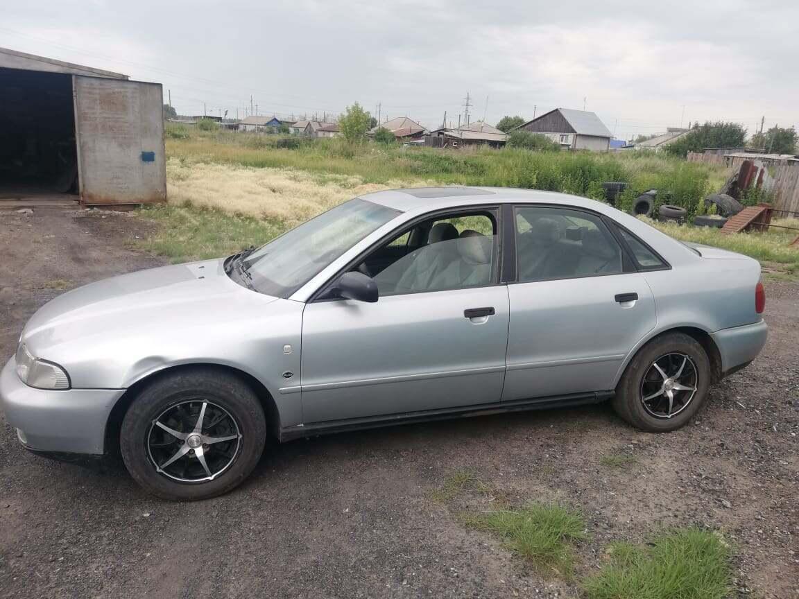 На севере Казахстана у пенсионера угнали автомобиль