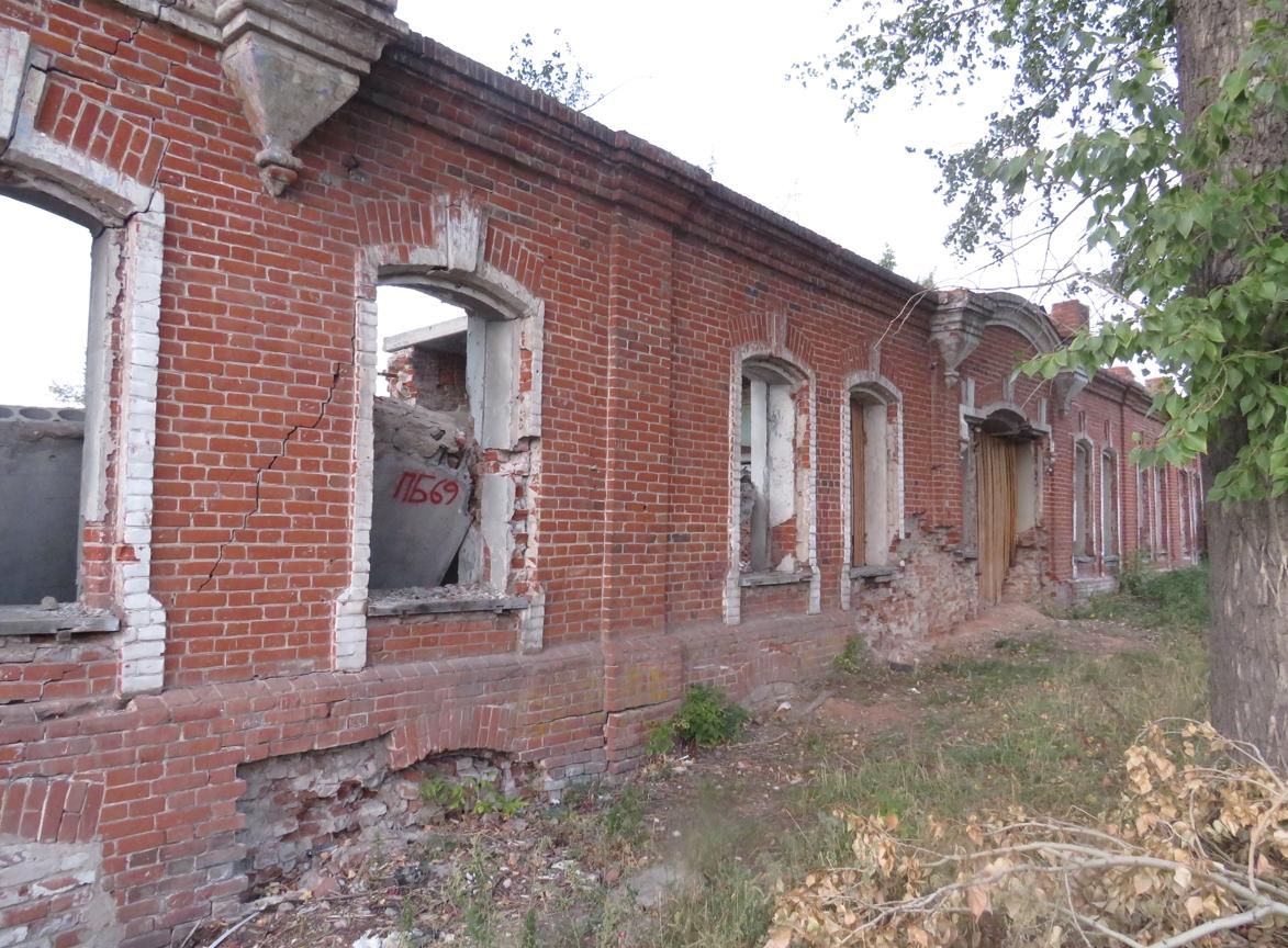 Трещины в стенах Дома Дмитриева в Петропавловске быстро увеличиваются