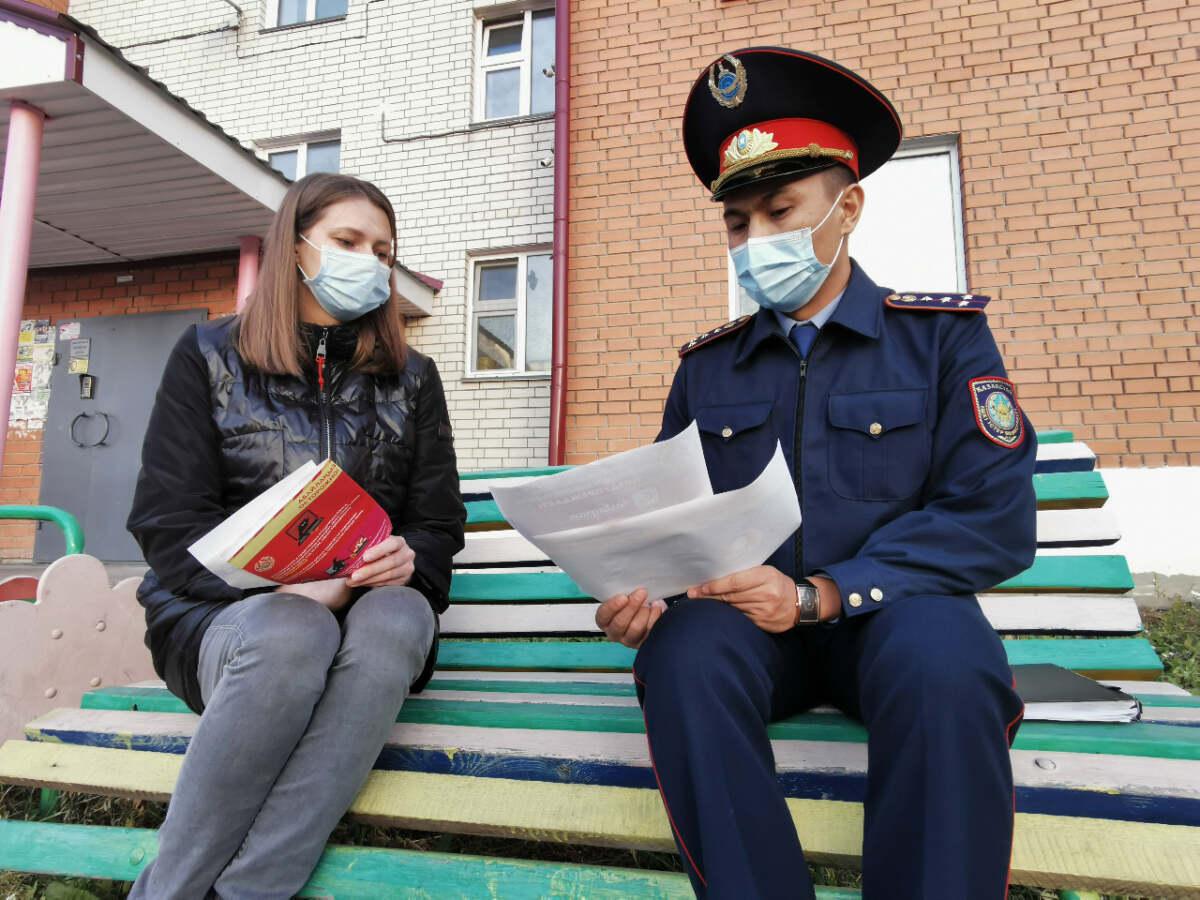 Мошенник пытался обмануть жительницу Петропавловска, но она оказалась умнее «сотрудника банка»