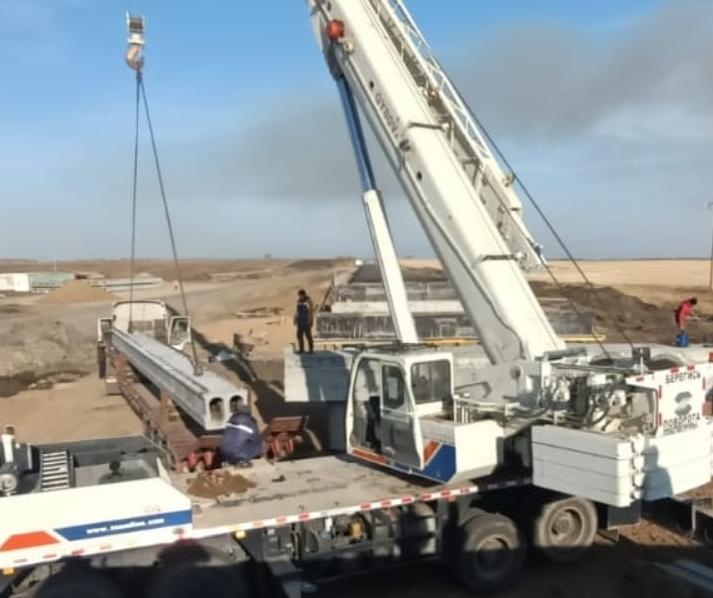 На севере Казахстана полным ходом идет строительство моста через речку Бармаши